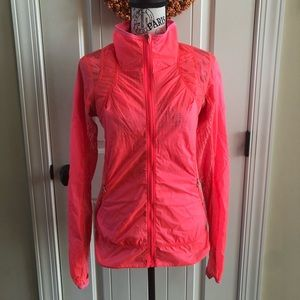 Lululemon Run: Wild Jacket - size 4